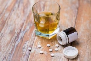 Medikamente und Alkohol: Wieso verträgt sich das nicht?