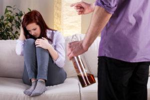 Alkoholsucht: Probleme mit sozialen Kontakten