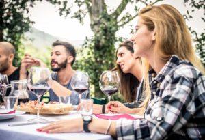 Alkoholgenuss mit schwerwiegenden Folgen: Alkohol in der Gesellschaft
